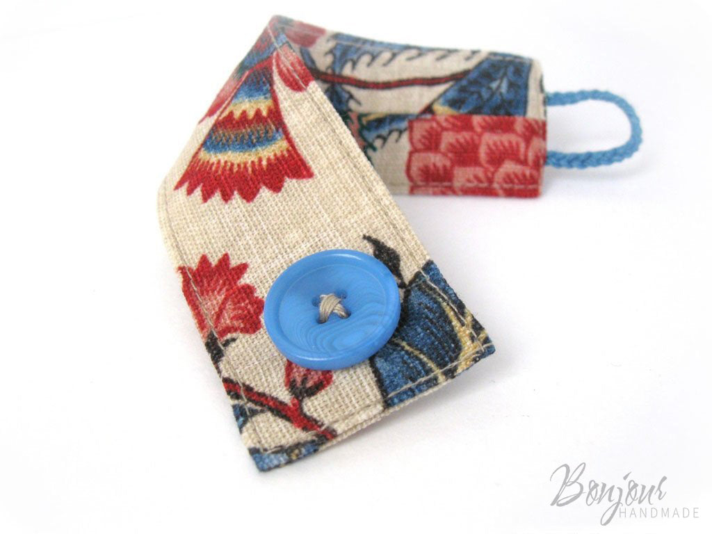 Sewing a fabric bracelet Free pattern and tutorial