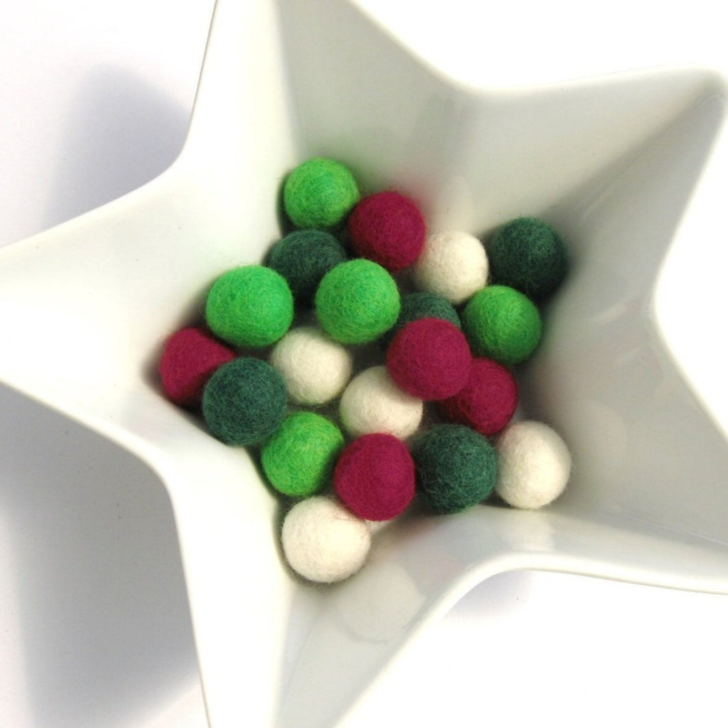 Felt balls 2cm - Christmas Color Mix - 20 Pure Wool Beads
