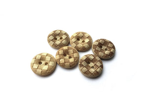 6 Coconut Carved Buttons 15mm - Checkered