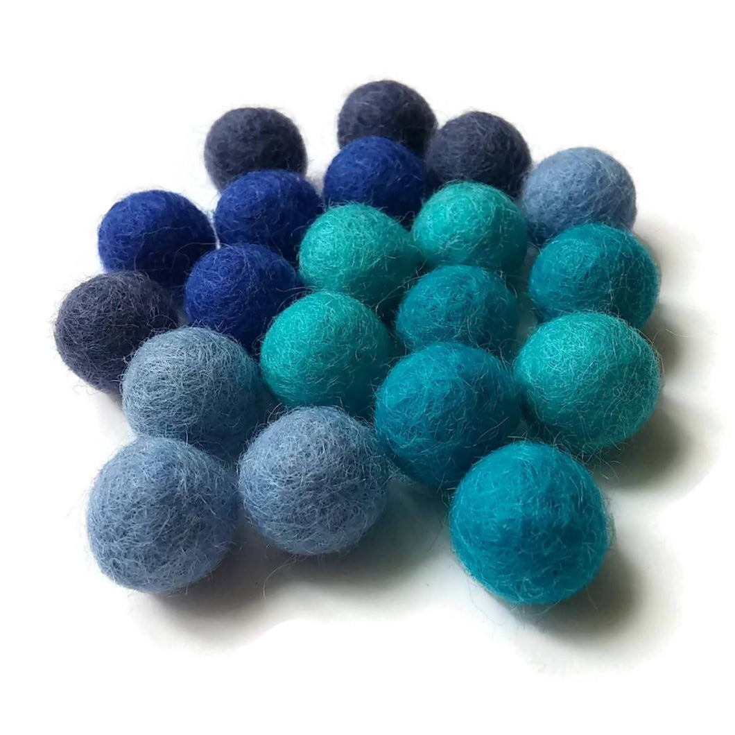 Felt Balls Aqua Blue Color Mix - 20 Pure Wool Beads 15mm