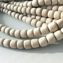 Load image into Gallery viewer, 60 Unfinished rondelle wood beads 7-8mm