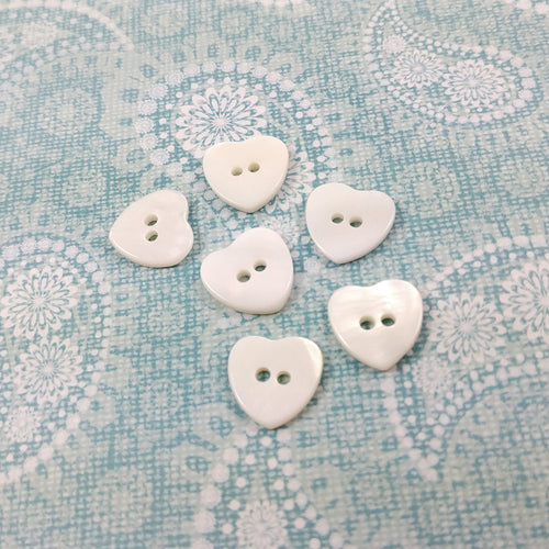 6 White heart buttons - Mother of Pearl Shell Buttons 12mm