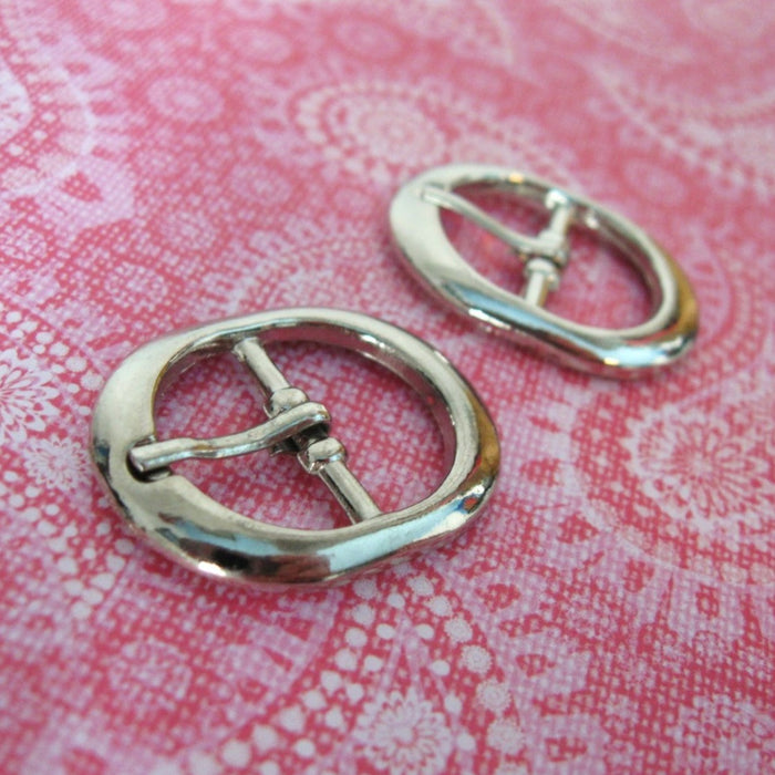 2 Silver Oval Metal Belt Buckles - Small buckles for shoe, bags or sewing embellishment 31x24mm