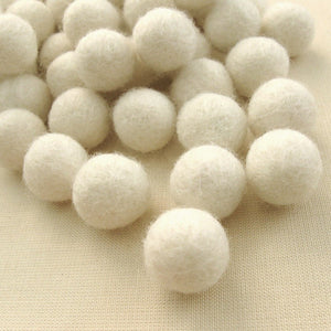 Felt Balls Ivory - 20 Pure Wool Beads 15mm - Off white Shade