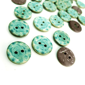 6 Coconut Shell Buttons 15mm - Aqua Blue Pattern