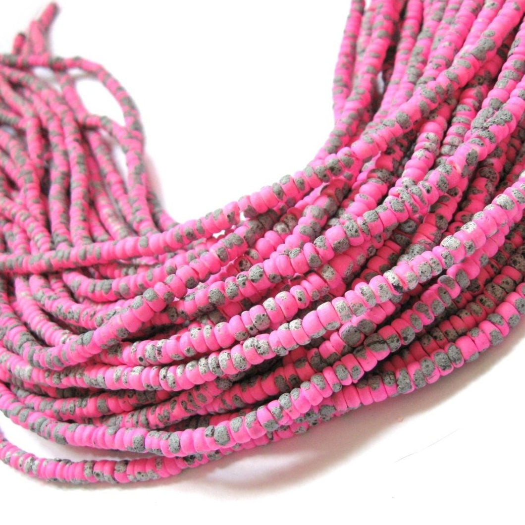150 coconut beads marblized pink and grey splashing 4-5mm