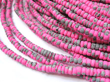 Load image into Gallery viewer, 150 coconut beads marblized pink and grey splashing 4-5mm
