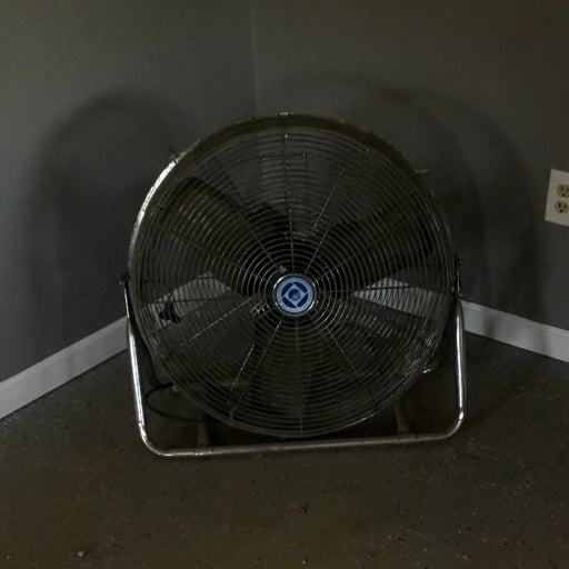 Used Floor Warehouse Fan - Suitable for Outdoor Use