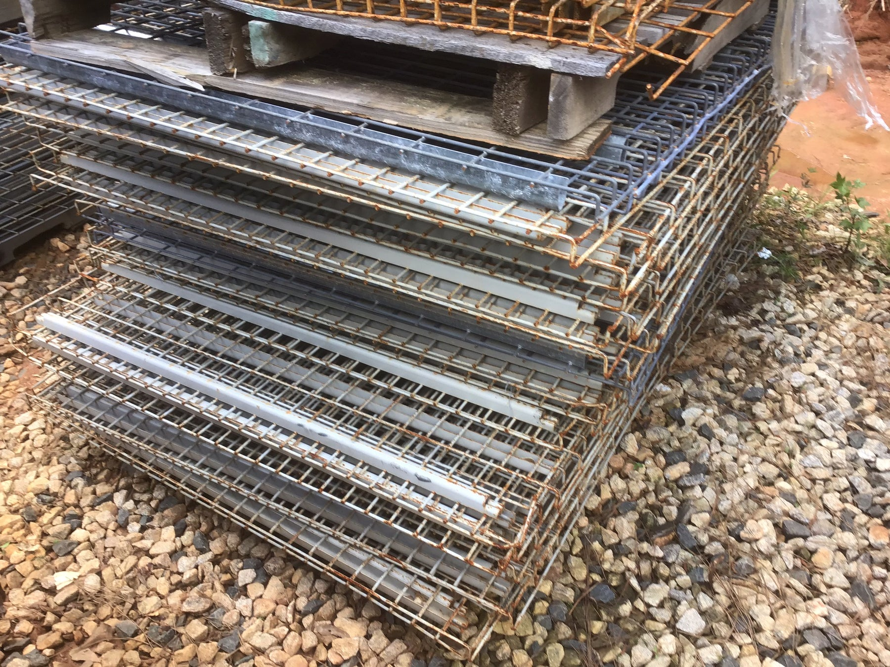 "Cheap Used Lay In Wire Deck - 48"" X 70"""