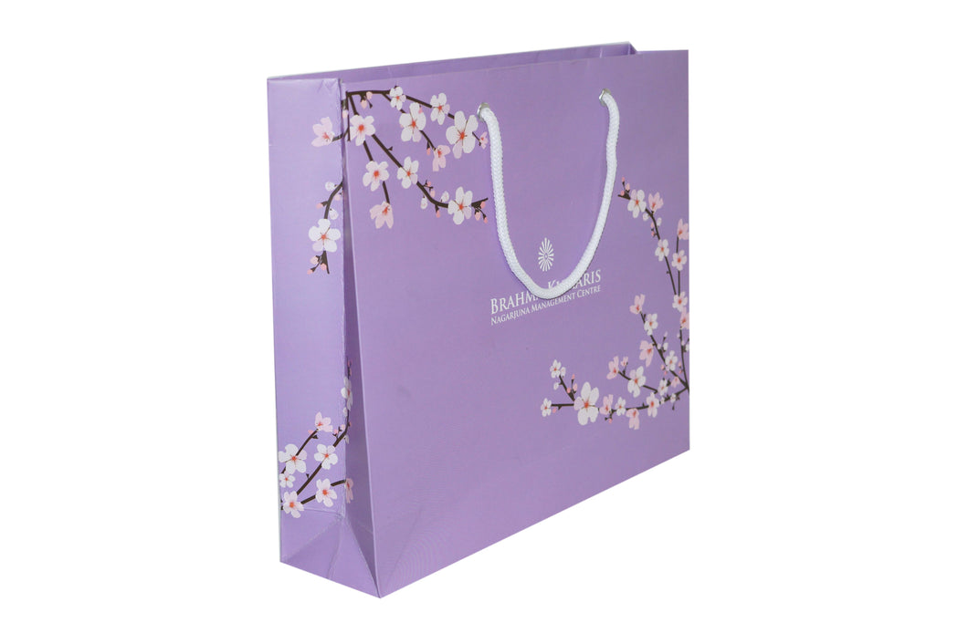 WHITE FLOWERS BAGS