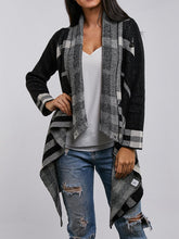Load image into Gallery viewer, Plaid Button Hit Color Cardigan