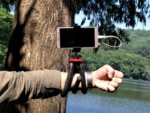 Load image into Gallery viewer, Flexible Phone Tripod With Remote