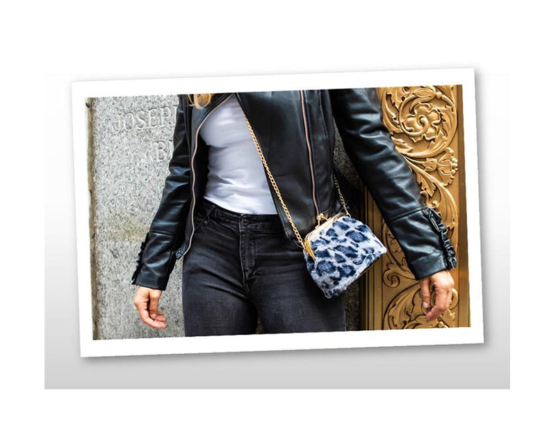 KISS LOCK LEOPARD BAG
