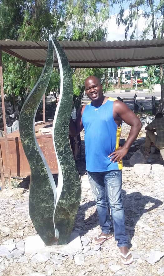 T. Bonjisi, the artist in Zimbabwe