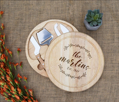 Family Name Wreath with Est. Date Circular Cheese Board