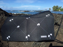 Load image into Gallery viewer, Lo'i Kalo ('Ele'ele) Drawstring bag