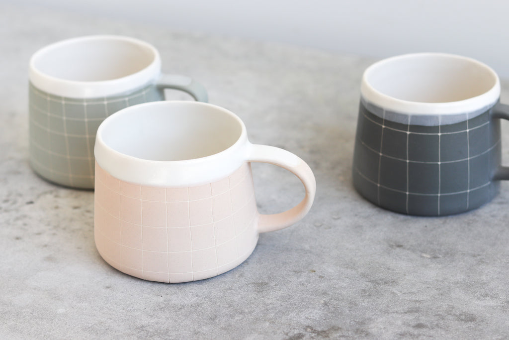 Grid Patterned Mug - Blush