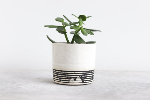 Round Pinched Planter with Stripes - White