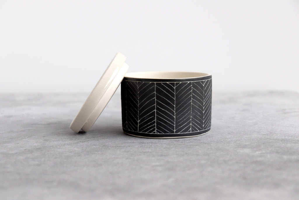 Herringbone Salt Cellar - Matte Black
