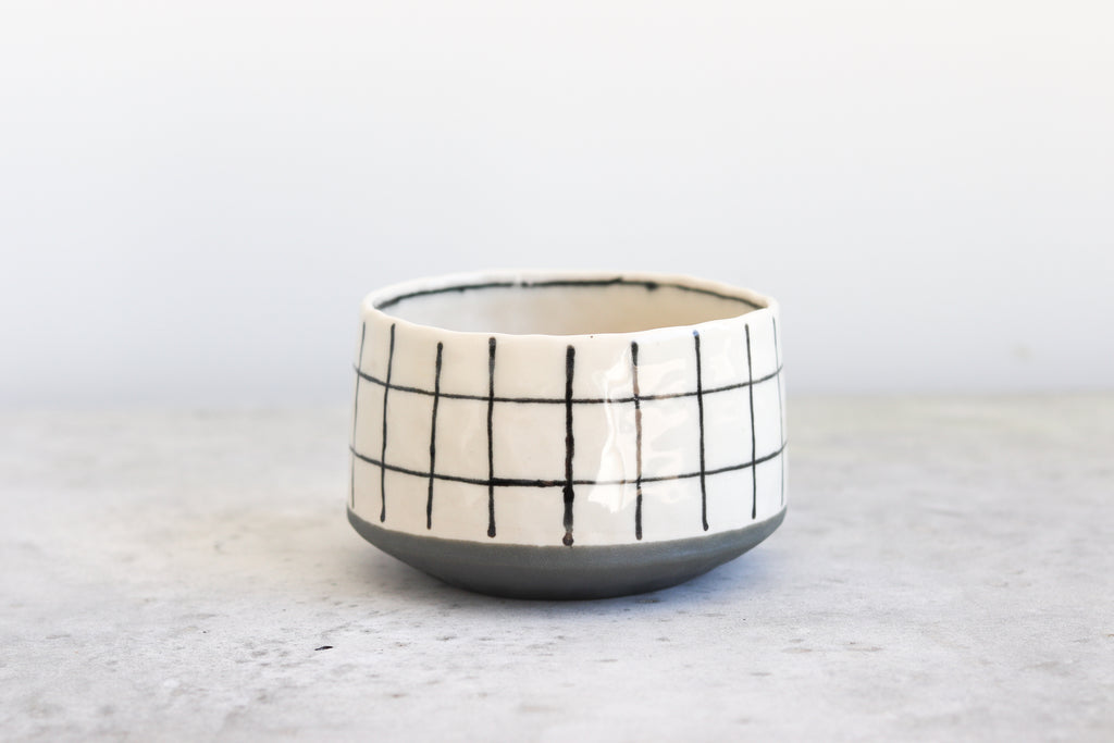 Grid Pinched Bowl