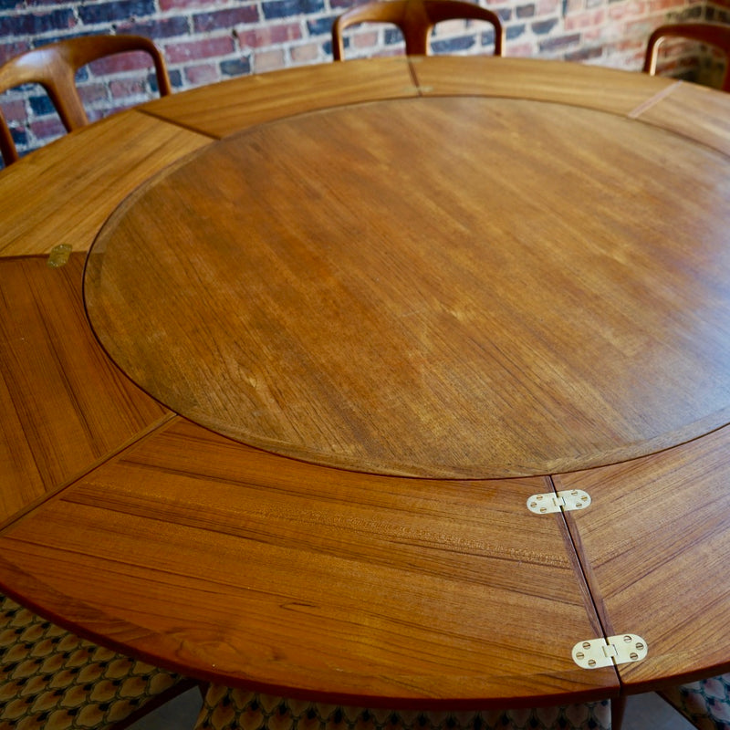 Danish Round Extendable Dining Table Chicago