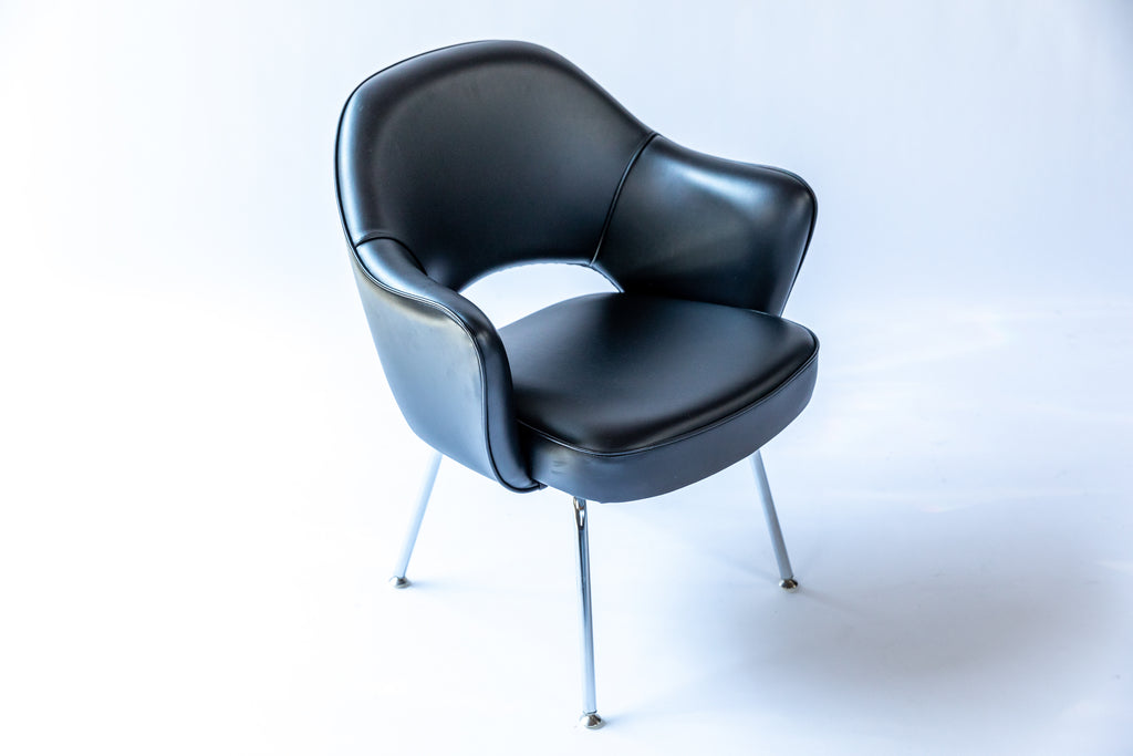 Black Leather Saarinen Executive Armchair