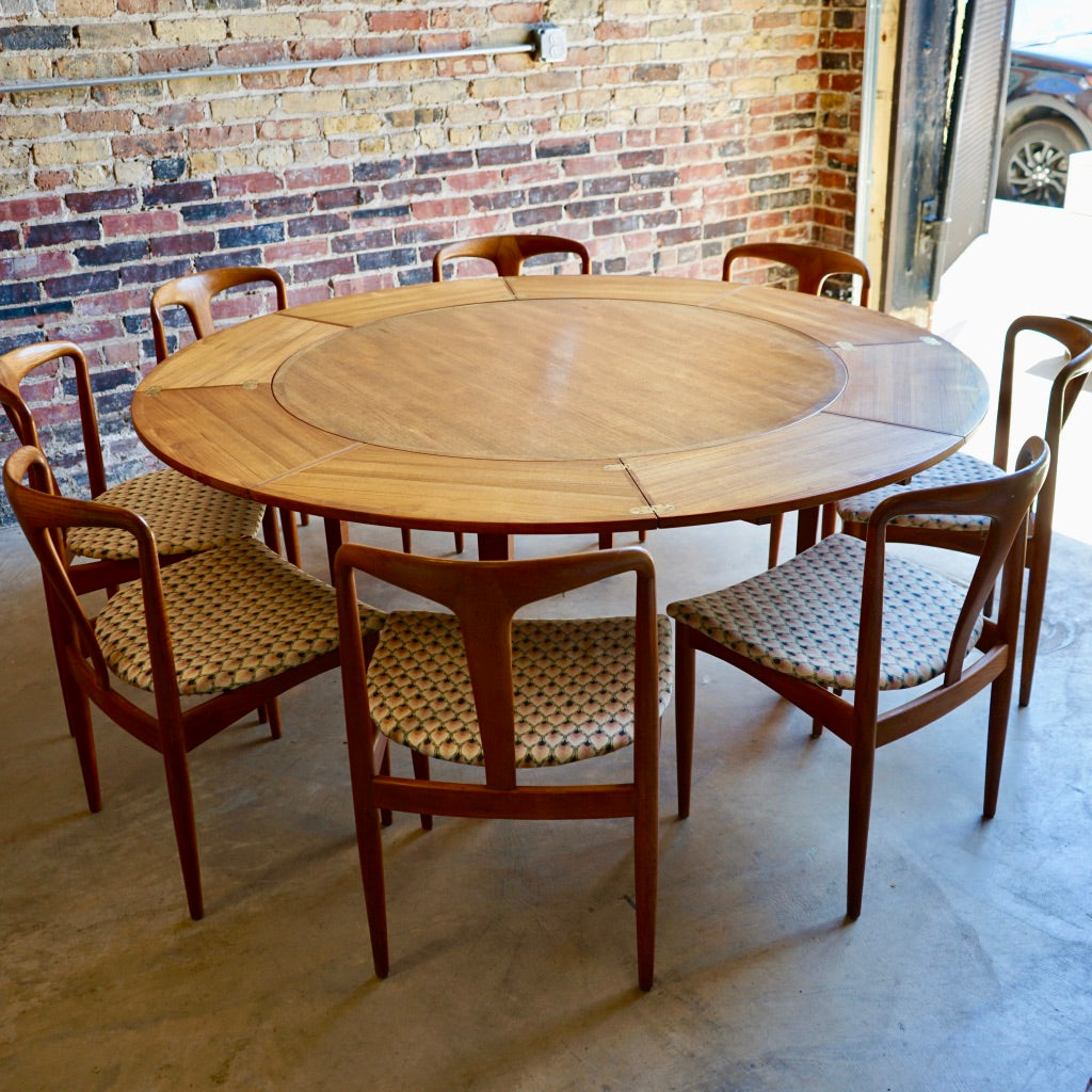 Danish round Dining Table Chicago