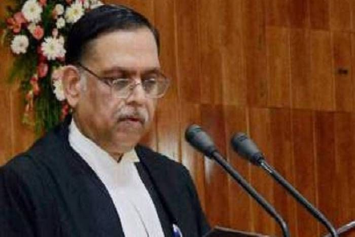 [Supreme Court] Right to get default bail under Sec. 167(2) Cr.P.C. is indefeasible right, cannot be taken away even in emergency: Madras HC Judge sitting in a coordinate Bench has no business to make uncharitable remark on any other judgment