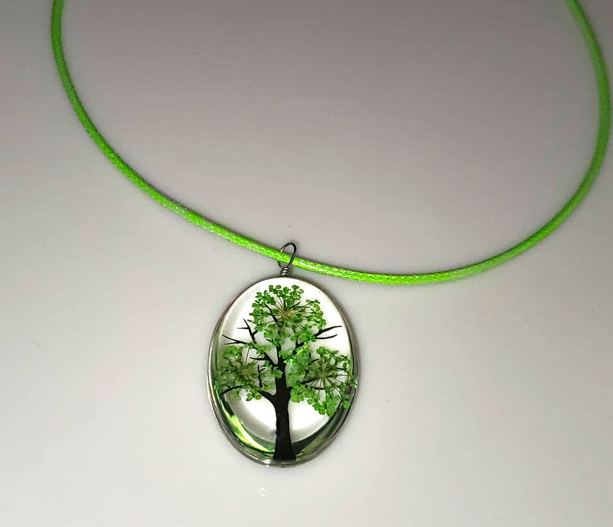 Tree of Life Dried Flower Glass Oval Terrarium Necklace in Green (4381602218078)