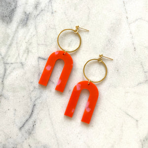 Magneto Earrings (L)- Orange & Pink Spot