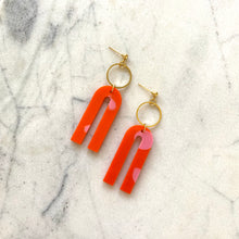 Load image into Gallery viewer, Magneto Earrings (S)- Orange & Pink Spot