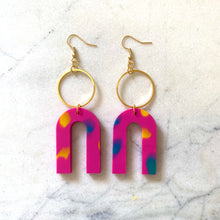 Load image into Gallery viewer, Magneto Earrings (L)- Pink Confetti