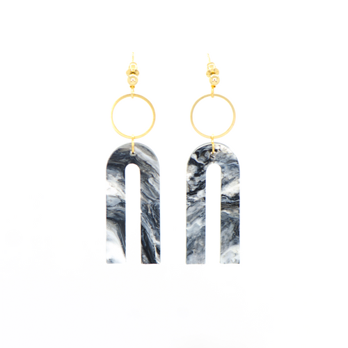 Magneto Earrings (S)- Black & White Marble