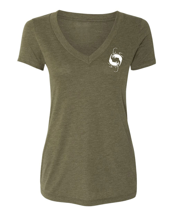 Schooling Trevally Hemp V-Neck - prawnoapparel.com