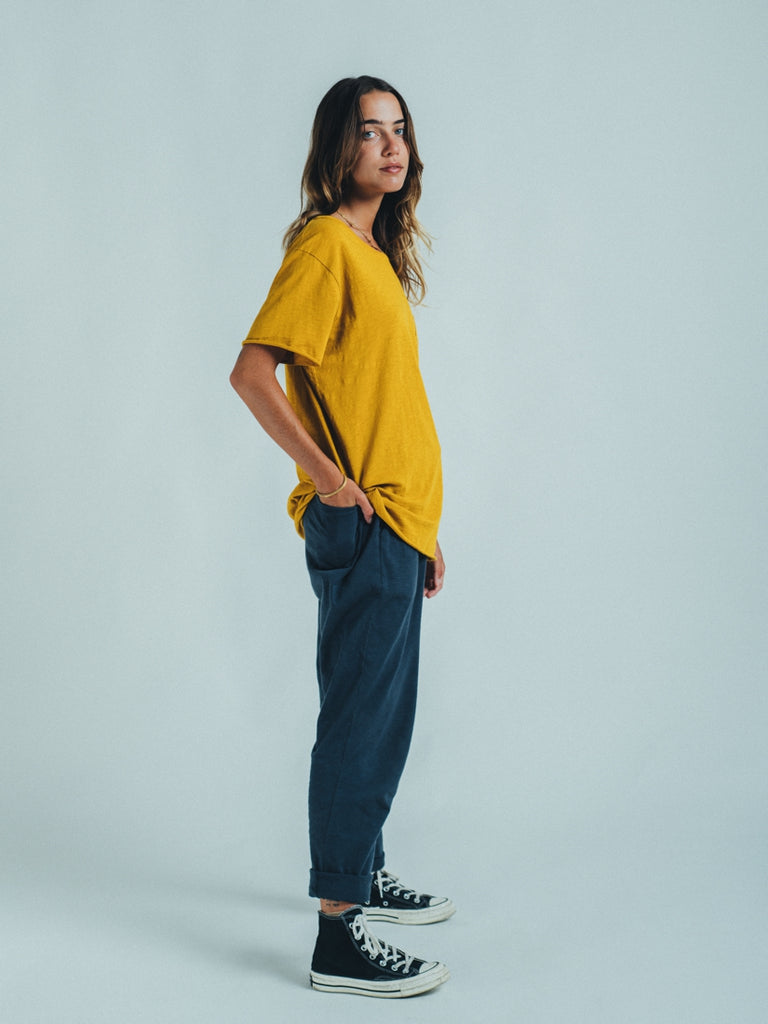 T-SHIRT ESSENTIAL MUSTARD
