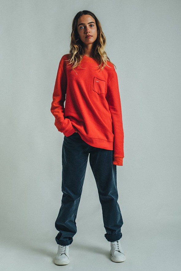 SWEATSHIRT COZY ESSENTIAL BRIGHT RED