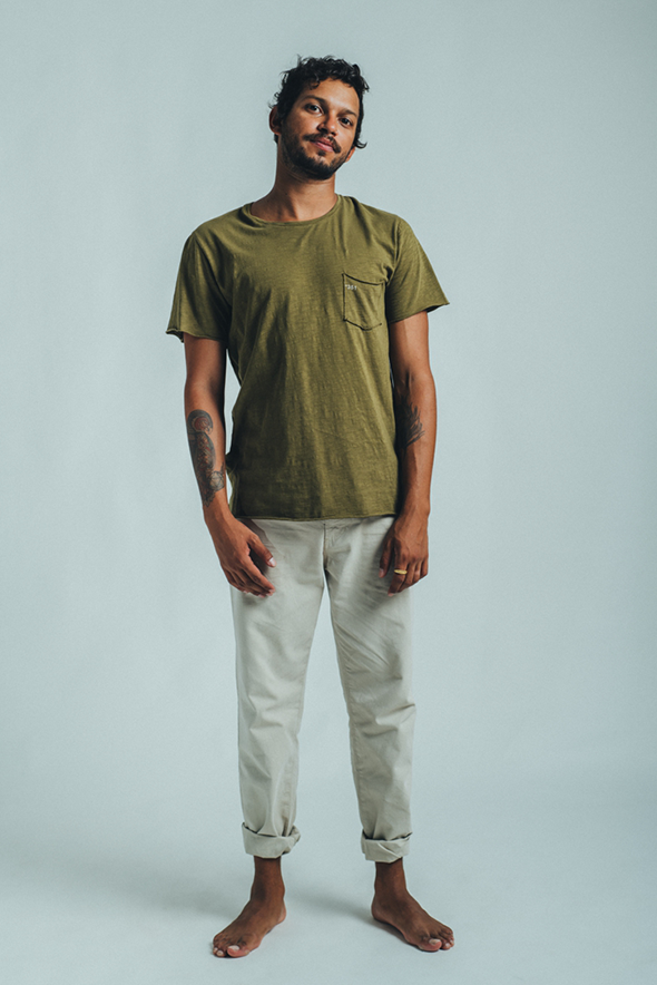 T-SHIRT ESSENTIAL MILITAR GREEN