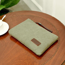 Load image into Gallery viewer, Gunuzi Lightweight Canvas Clutch Bag