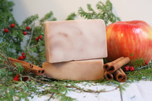 Load image into Gallery viewer, LIMITED EDITION: 3.5oz Apple cider solid bar shampoo
