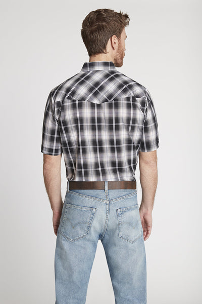 Men's Short Sleeve Plaid Shirt in Black Plaid