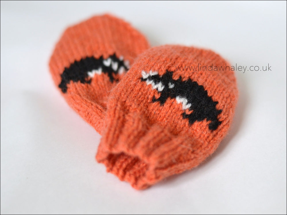 LITTLE BADGER MITTENS