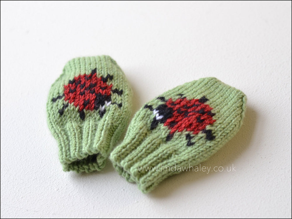 LITTLE LADYBIRD MITTENS