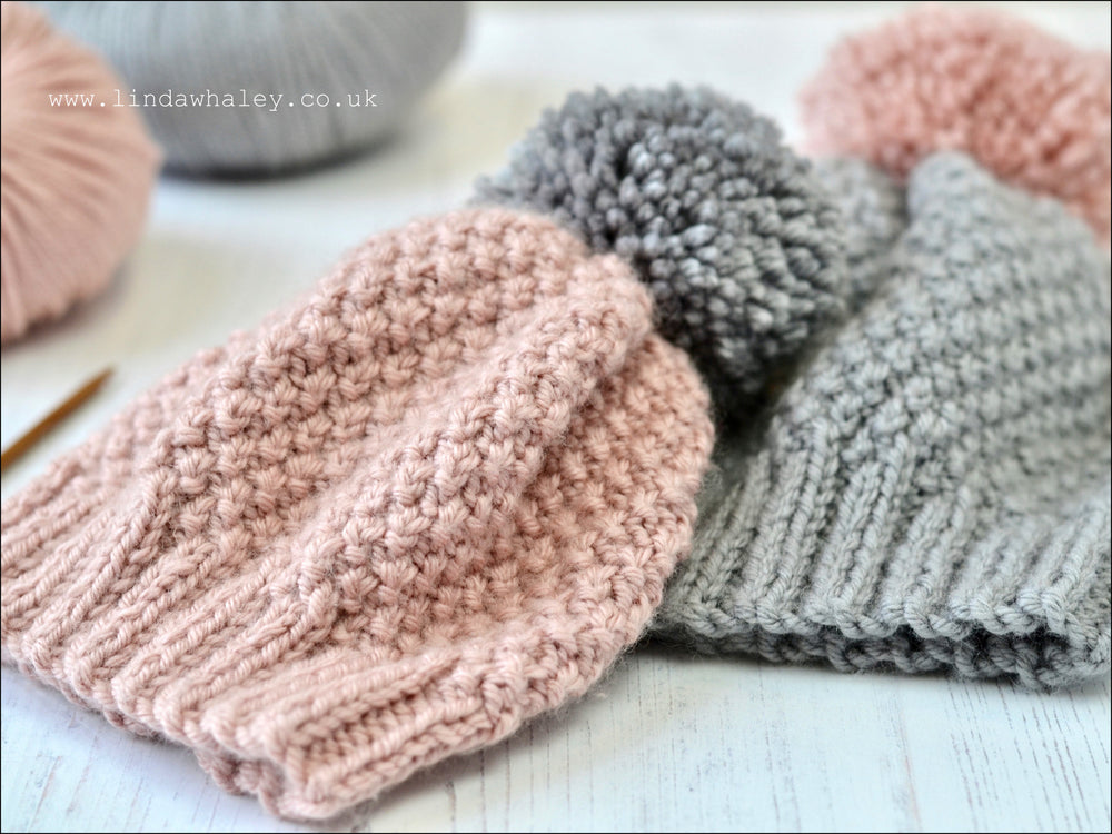 HOPE SIMPLE BOBBLE HAT
