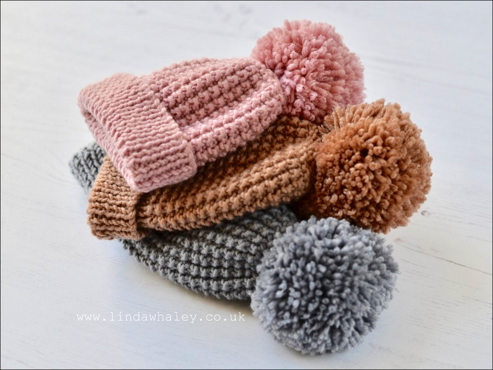 ZEKE SIMPLE BOBBLE HAT