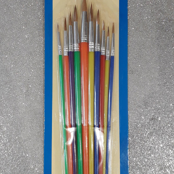 Set of 10 round paint brushes of various sizes made from natural hair