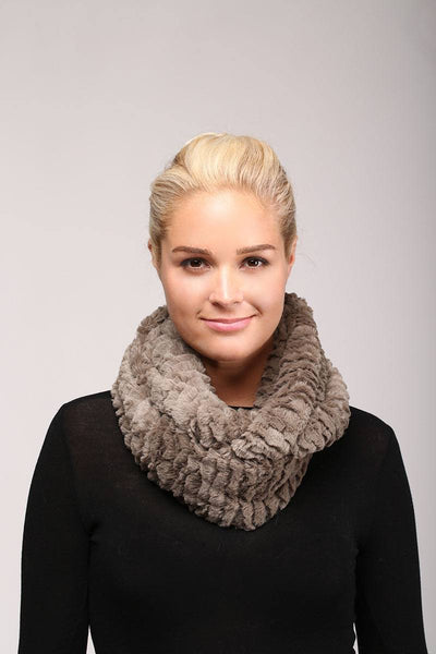 Solid faux fur infinity scarf - Kendalls Deals