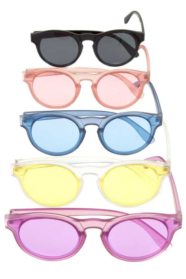 Color framed fashionable sunglasses - Kendalls Deals