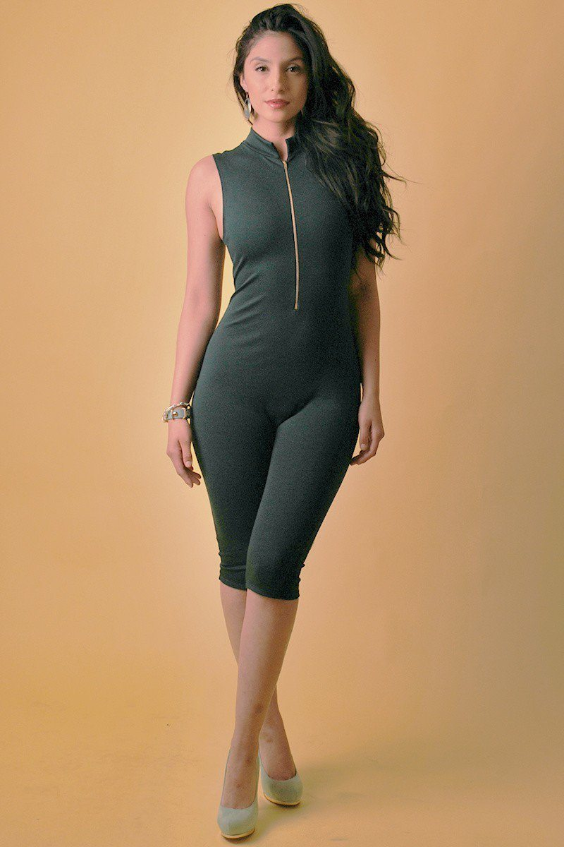 Solid, Stretched, Sleeveless Bodycon Capri Jumpsuit With Front Zipper And Mandarin Collar - Kendalls Deals