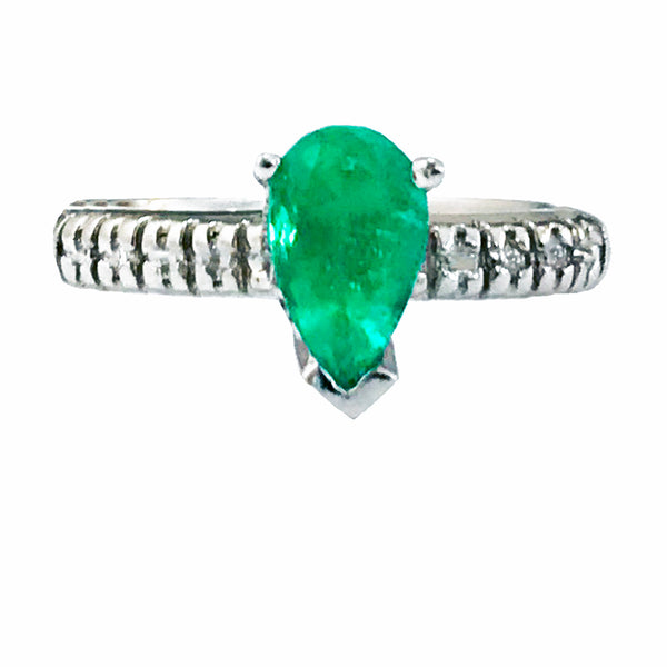 Pear shape diamond emerald ring