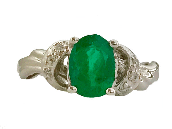 Oval emerald pave diamond ring